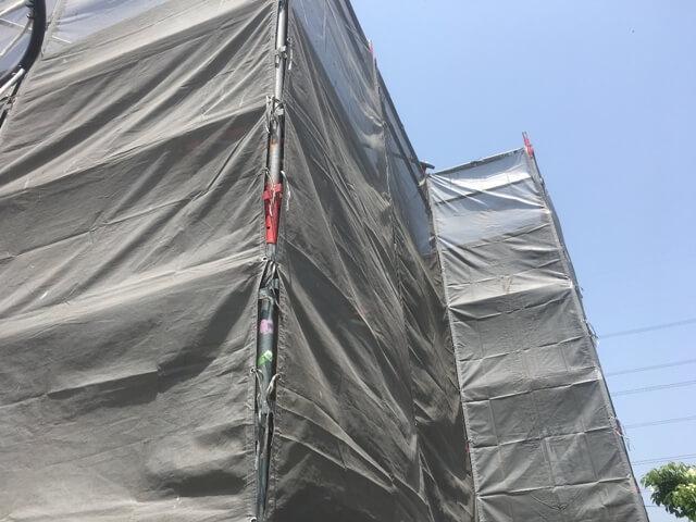 芸癖塗装の足場組みが完了して、いよいよ外壁塗装工事のスタートです。
