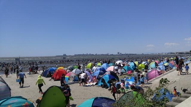 ふなばし三番瀬海浜公園の潮干狩りはたくさん人が来るので、駐車場もすぐに満車になってしまうので注意が必要です。