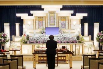 葬儀や供養については、定価や適正価格も分からずほとんど言い値でしたが、今はネットで簡単に比較したり相場をしることができるようになりました。